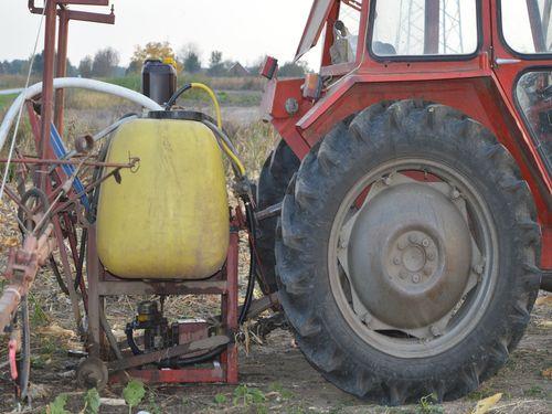 Pravilno mešanje pesticida – Kojim redosledom i šta je test kompatibilnosti?