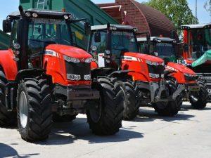 traktori na sajmu